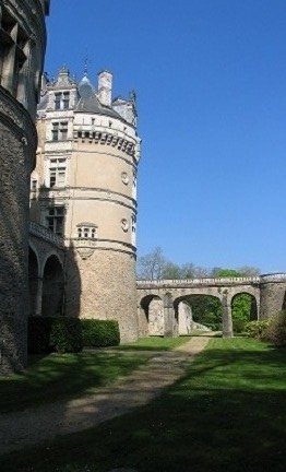 side view of the facade at chateau du Lude