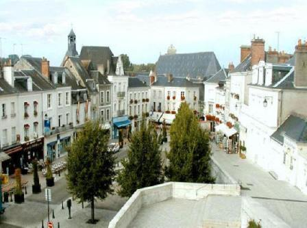Amboise shopping street below chateau