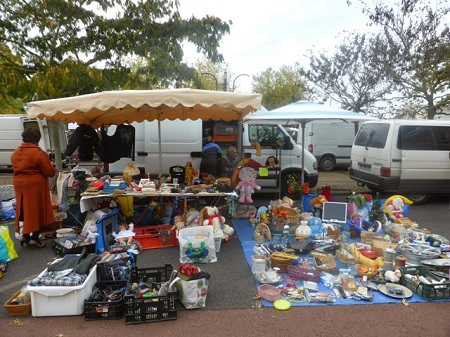 brocante stall in Loire Valley