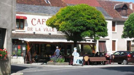 Cafe de la Ville in Montresor France