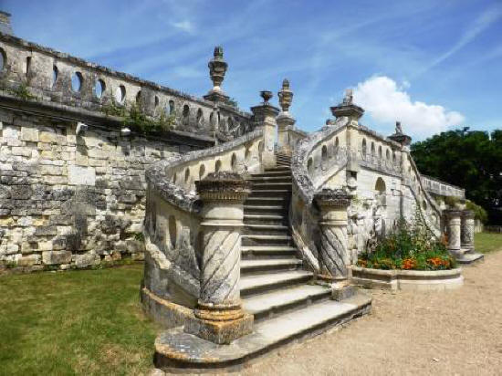 steps leading to the rear gardens at Chateau de Valencay