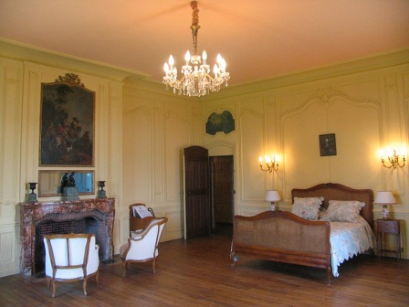 bedroom in chateau Cande in the Loire Valley in France