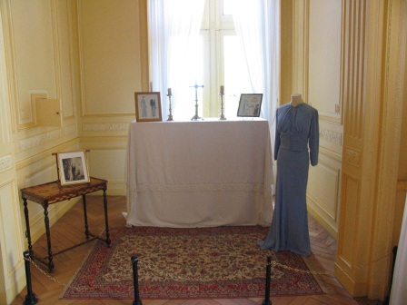 Wallis Simpson's dress in chateau Cande in the Loire Valley in France